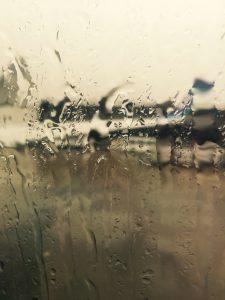 「ザ・マネーゲーム」から脱出する法〜あなたは、ぐずついた天気に一喜一憂していませんか?