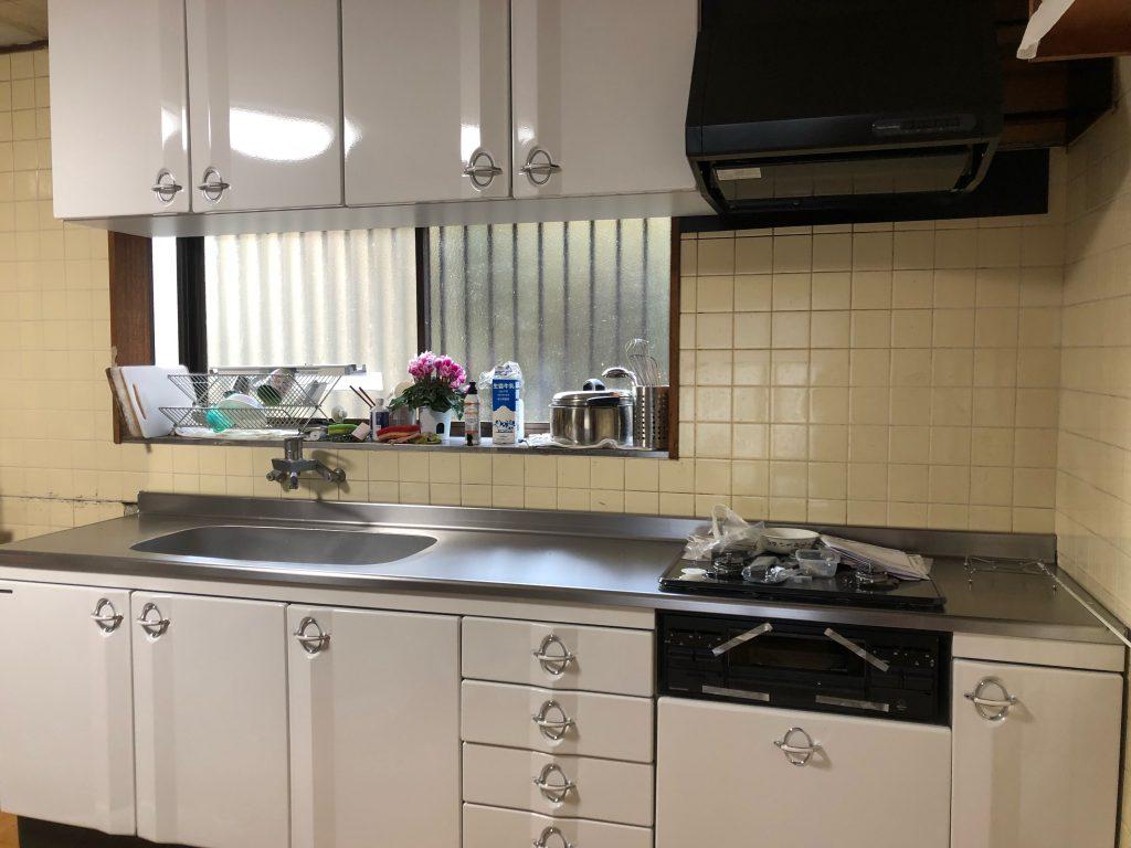 小さな連続が、夢を形にしていくのです。キッチンの改装は、まだまだ続きます!