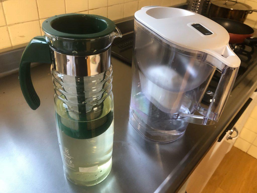 HARIOかご網付きポットを使用、簡単にできる冷水緑茶・紅茶は夏場のお客様に最適です!
